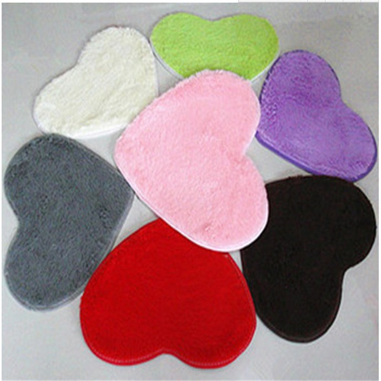1 Pcs Small 30x40cm Heart-shaped Soft Mats Artificial Silk Carpets Cushion For Girls Adults Kids Designer Rugs Bedroom Mats