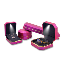 Engaged Deluxe LED Ring Box Velvet Jewelry Gift Display Storage Jewelry Packaging Case