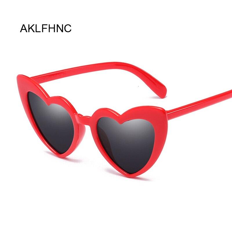 New Fashion Love Heart Cat Eye Sunglasses Women Brand Designer Vintage Gradient Sun Glasses Female Shades Oculos De Sol