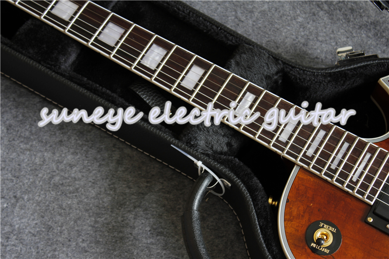 China Suneye Custom Electric Guitar Natural Wood Solid Mahogany Guitarra With Guitar Case in Guitar from Sports Entertainment