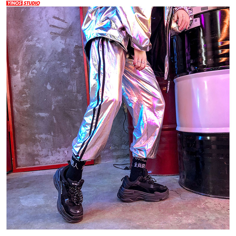 Dropshipping Men Streetwear Reflective Sweatpants Mens Loose Plaid Joggers Pants Autumn Male Causal  Sliver Dance Toursers