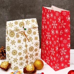 Image 4 - 5 Pcs Sneeuwvlok Vrolijk Kerstfeest Papieren Zak Sneeuwpop Kerstboom Voedsel Cookie Cadeau Verpakking Birthday Party Bag Favor Stand Zakken