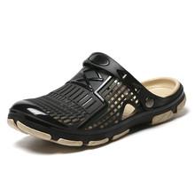 Newbeads męskie dziurki buty ogrodowe plażowe sandały na płaskim obcasie kapcie Crocse buty letnie klapki letnie Croc drewniaki buty do wody tanie tanio AIRAVATA CN (pochodzenie) Mesh (air mesh) Podstawowe Na co dzień Classics RUBBER Pasek klamra Mieszkanie (≤1cm) Dla dorosłych