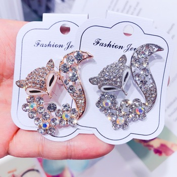 Korean Version Zircon Fox Animal Brooch Pin for Woman Fashion Sweater Coat Hat Scarf Clothing Accessories Luxury Banquet Jewelry
