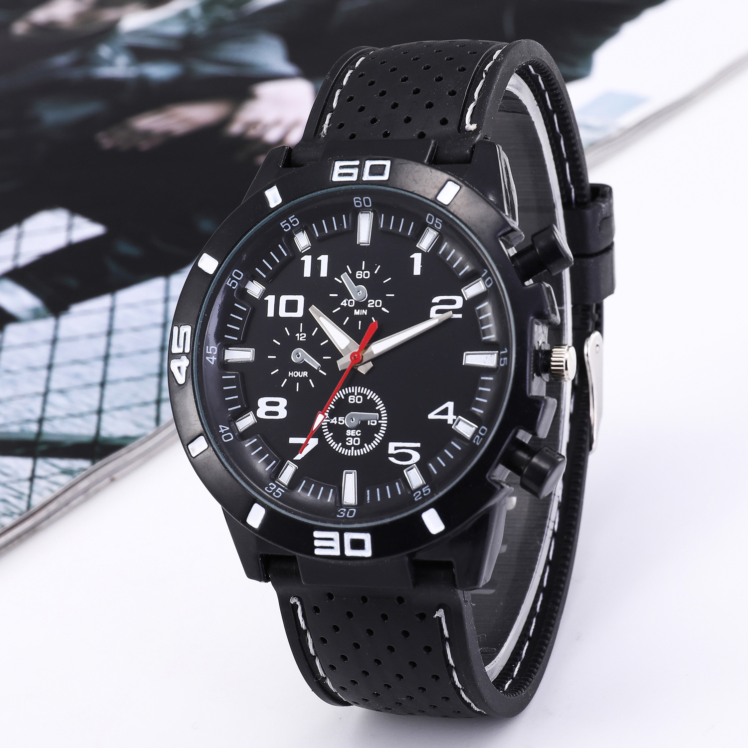 Fashion Top Sports Wrist Watches Luxury Brand Military Quartz Watch Cool Men Women Clock Hour Relogio Masculino Special Watches