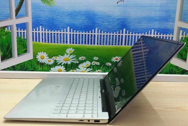 I5 15.6inch gaming laptop 8GB 128GB