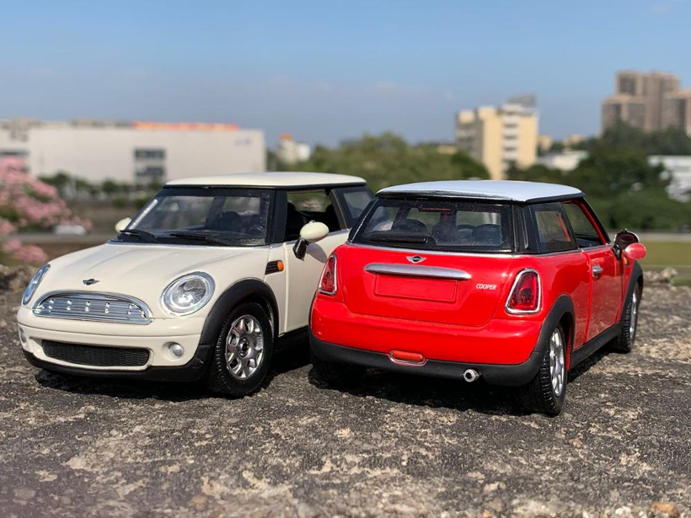1:24 High Simulation Alloy Mini Cooper Car Model,2 Door Car Ornaments,classic Children's Collection Toys,free Shipping