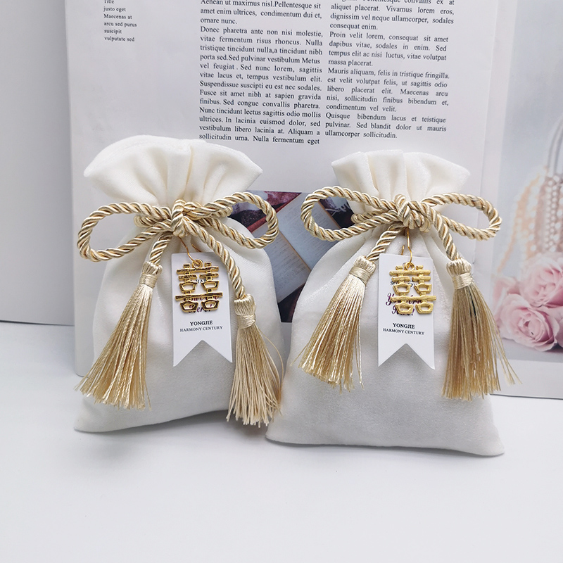 Ivory Gold  Tassel Drawstring Velvet Bags 11x15cm Jewelry MP3 Packing Pouches Wedding Bags Christmas Candy Gift Velvet Bags