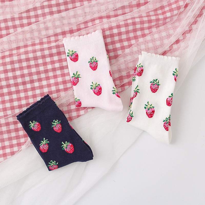 Harajuku Style 2020 New Fasahion Girls Short Socks Middle Tube Socks Cute Strawberry Print Socks Lolita Style Ruffle Socks