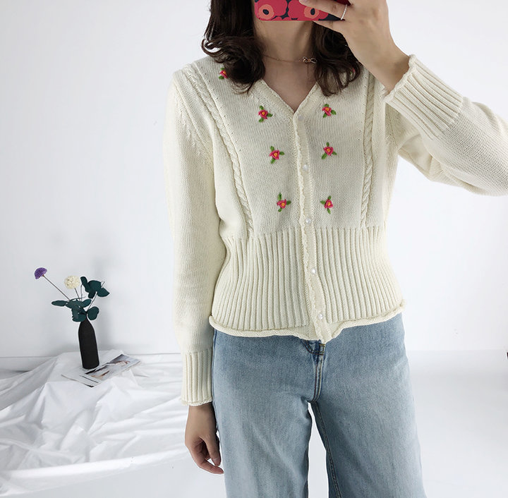 Image 3 - Women Sweater Spring New  Floral Embroidery V Neck Sweater Knit CardiganPullovers