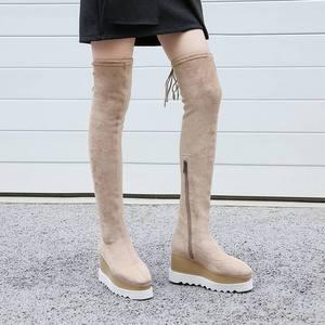 Image 5 - 새로운 도착 플록 플랫폼 스퀘어 발가락 웨지 무릎 부츠 위로 우아한 레이스 활주로 허벅지 높은 부츠 여성 겨울 신발 L03
