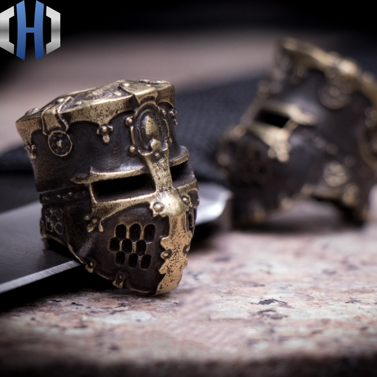 Original Templar Knight Helmet Pendant Handmade Pendant Outdoor EDC Pendant Bracelet Survival Paracord Beads