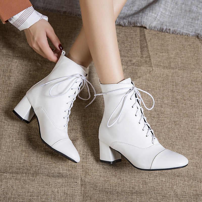 Kadın ayakkabı pompaları yuvarlak kafa dantel Up deri çizmeler roma tarzı kadın ayakkabısı, çizmeler siyah beyaz kış 2020 k435