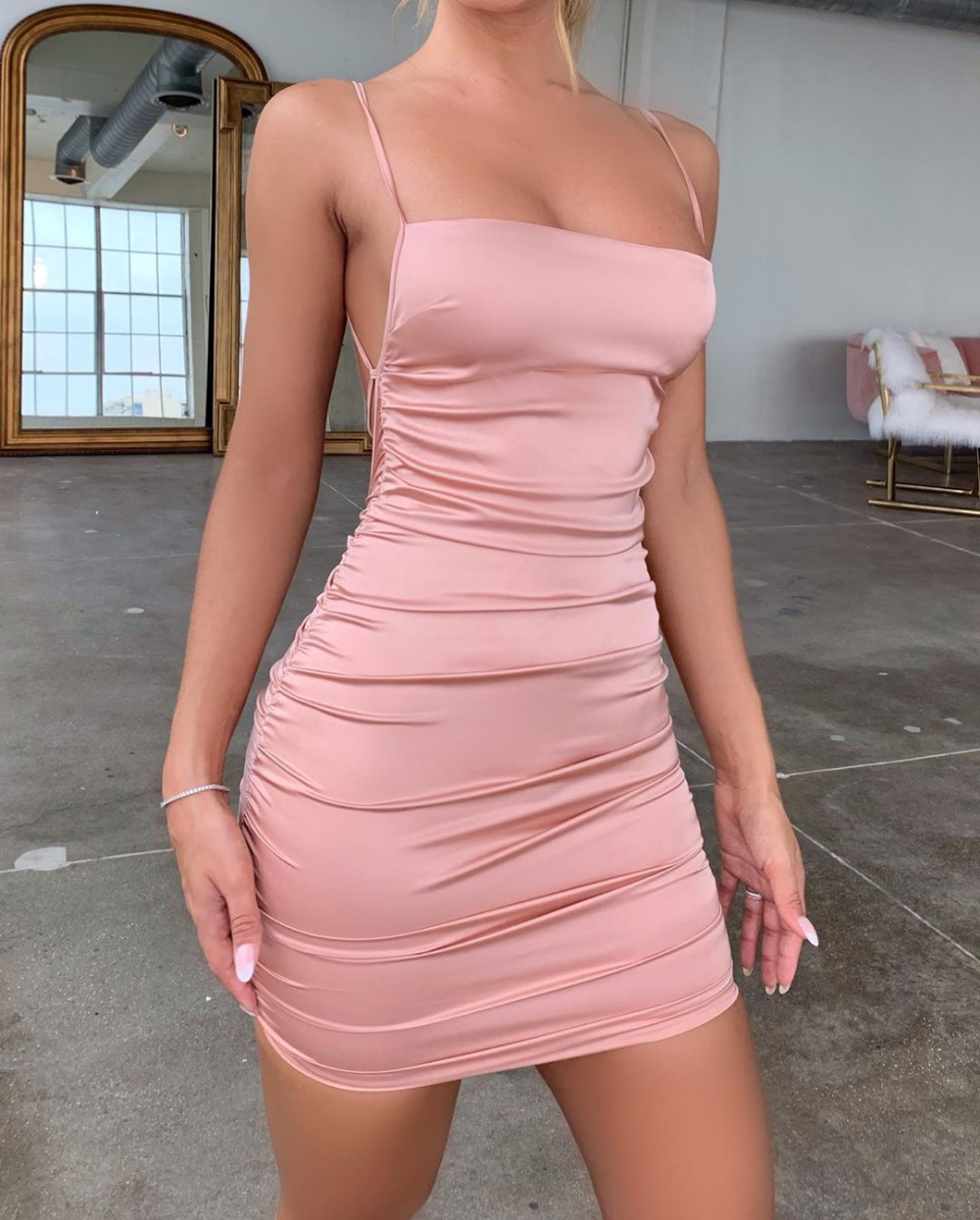 Spaghetti Strap Mini Satijnen Jurk Vrouwen Sexy Backless Cross Bandage Bodycon Party Dress Plisse Stretch Korte Club Jurk