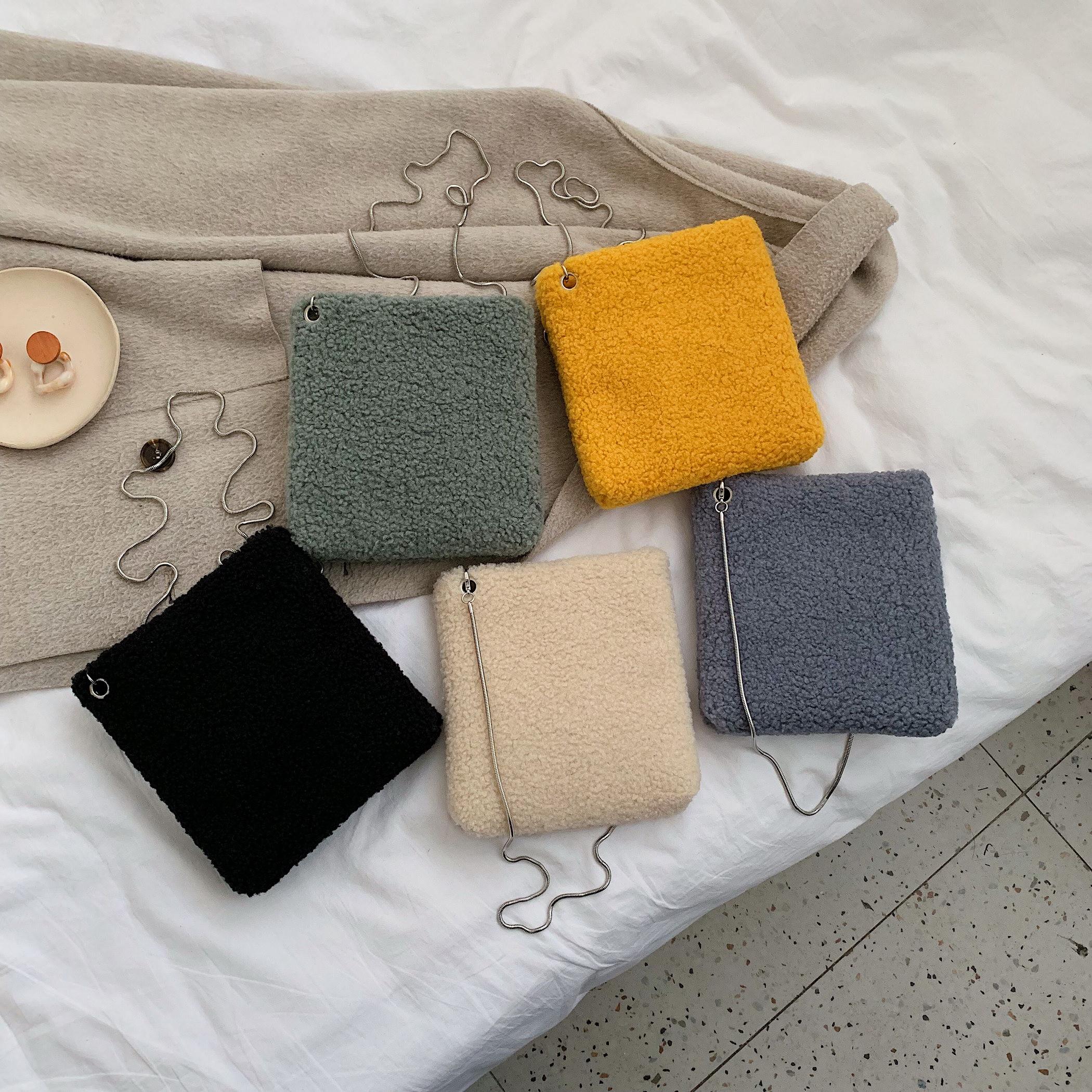 Winter Fashion Faux Fur Mini Square Bag Luxury Brand Soft Ladies Plush Warm Small Messenger Bag Metal Chain Tote Bag Coin Bag