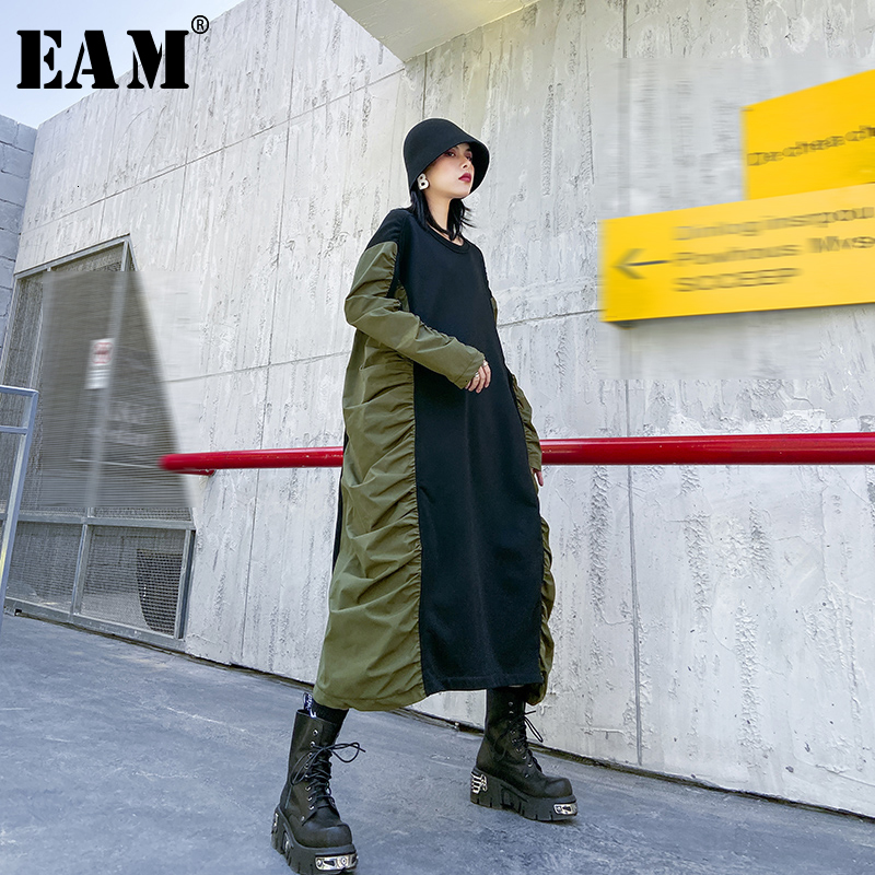 [EAM] Women Green Pleated Split Big Size Dress New Round Neck Long Sleeve Loose Fit Fashion Tide Spring Autumn 2020 1N102