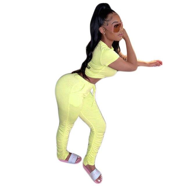 Фото стильный женский комплект однотонный укороченный топ с коротким