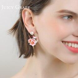 Juicy Grape's flower flamingo earrings women pearl stud earrings temperament resort wind earrings no ear-hole clip on earrings