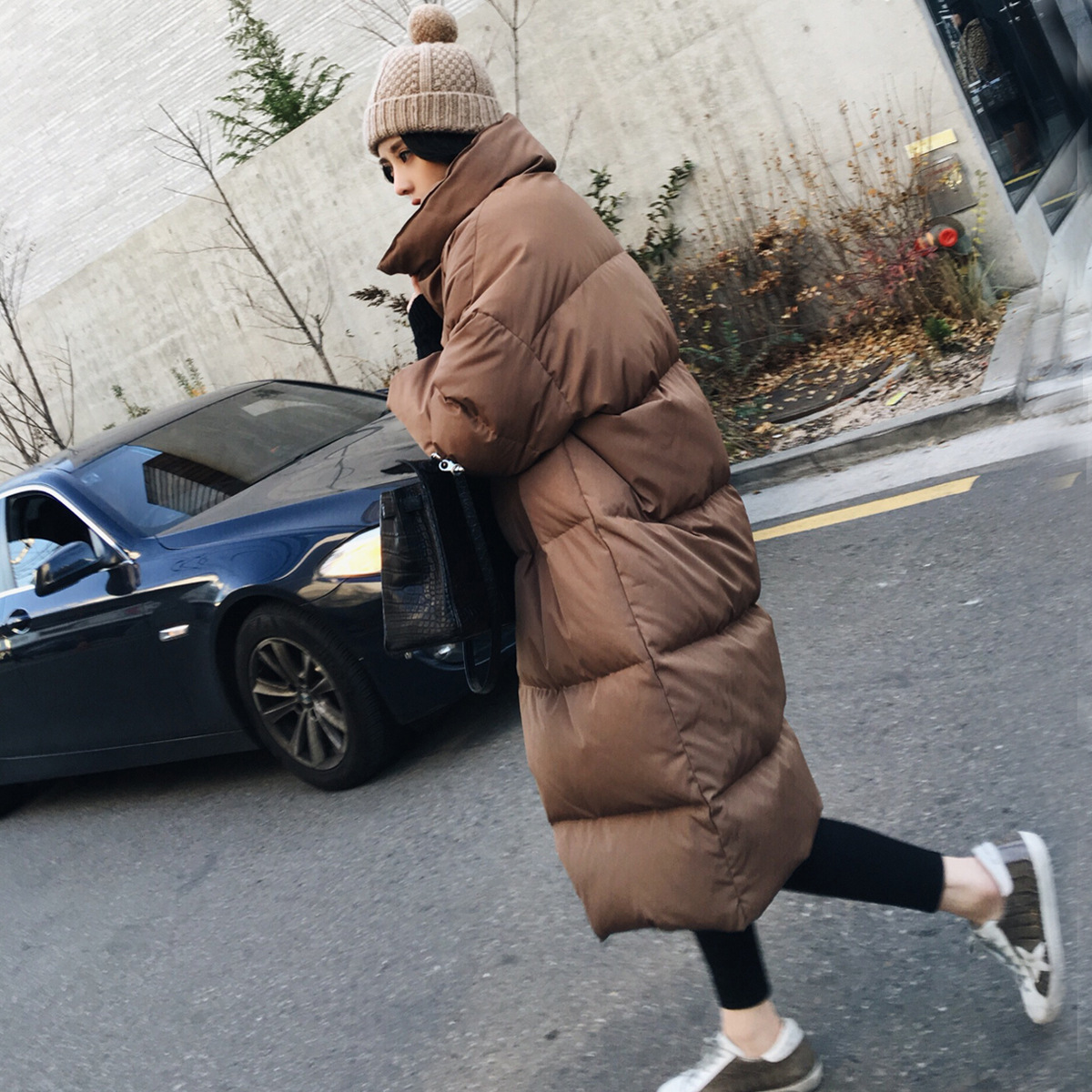 INS Super Fire Caramel Cotton-padded Clothes Women's Winter Korean-style Loose Thick Over-the-Knee Mid-length Bread Down Jacket