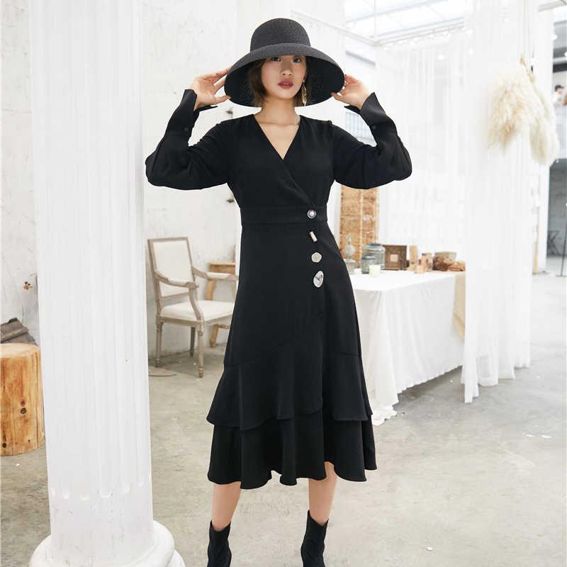GALCAUR лоскутное асимметричное черное платье с пуговицами для женщин с v-образным вырезом, расклешенными рукавами, с высокой талией, платья для женщин 2019, осенняя мода, новинка