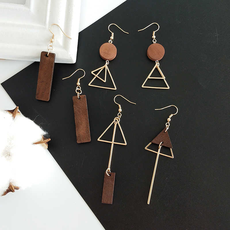 Simple geometric wood triangular asymmetric earrings