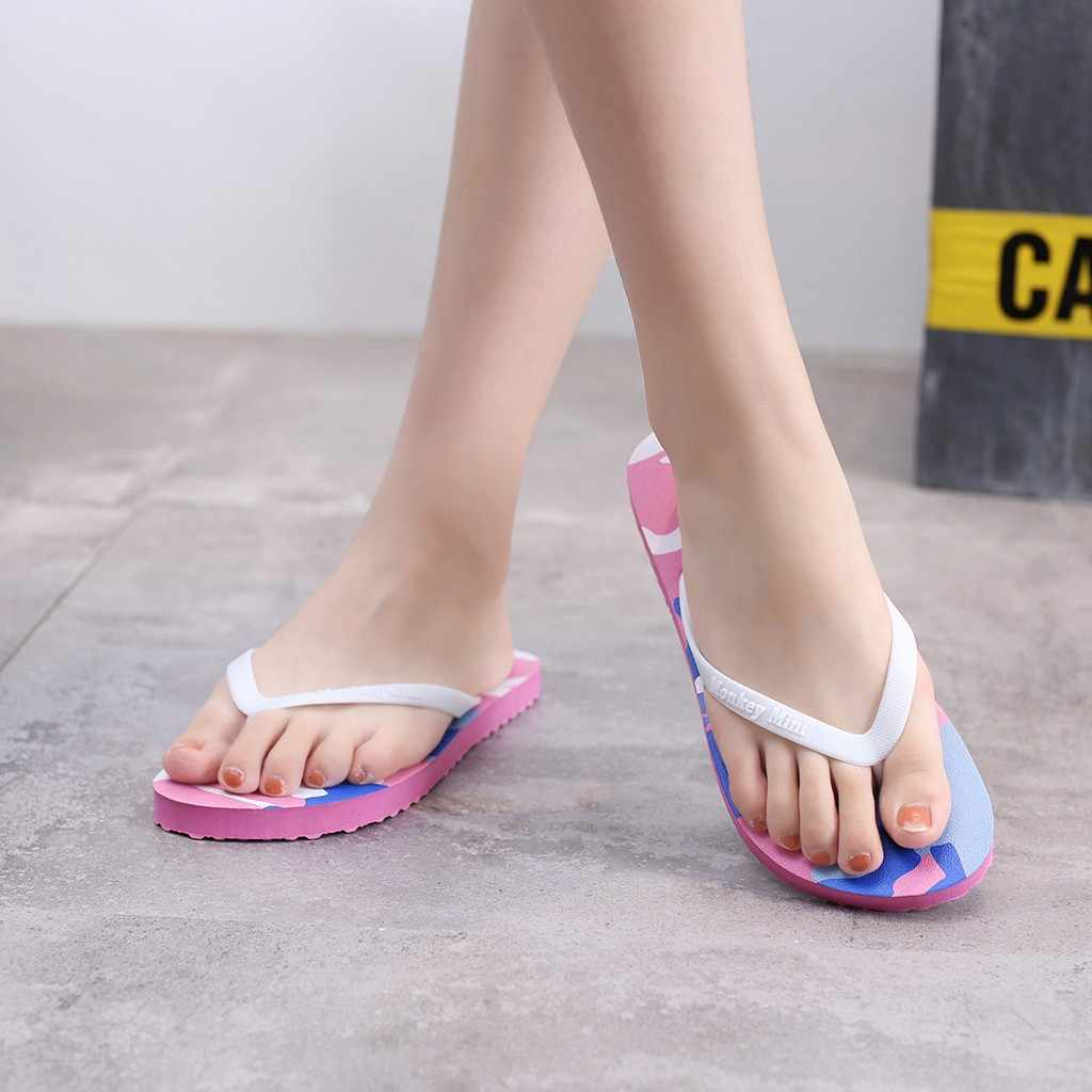 Kamuflaj baskı kadınlar düz topuk Flip flop yaz plaj terlikleri yüksek kaliteli kaymaz rahat ayakkabılar genç açık terlik