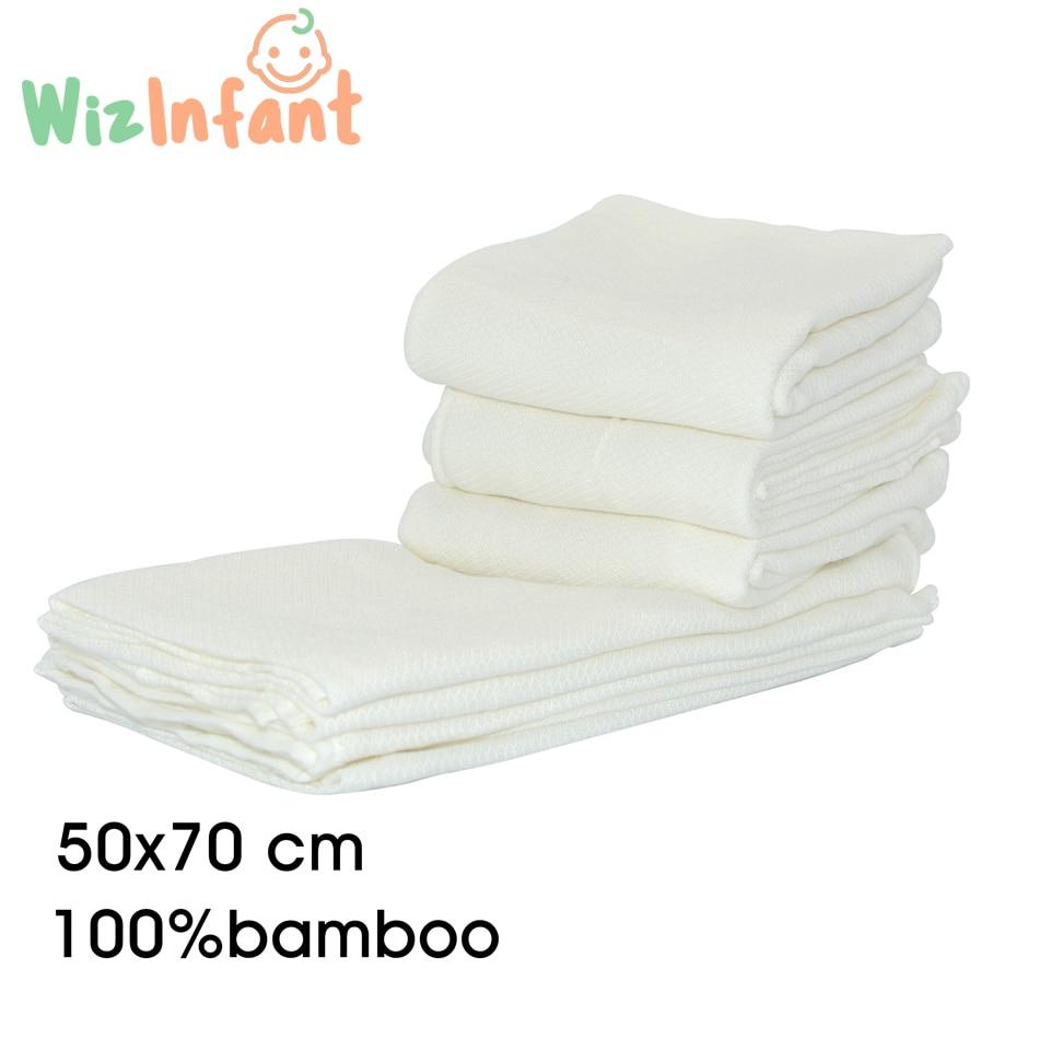 4 washable wipes LOT 2 bibs