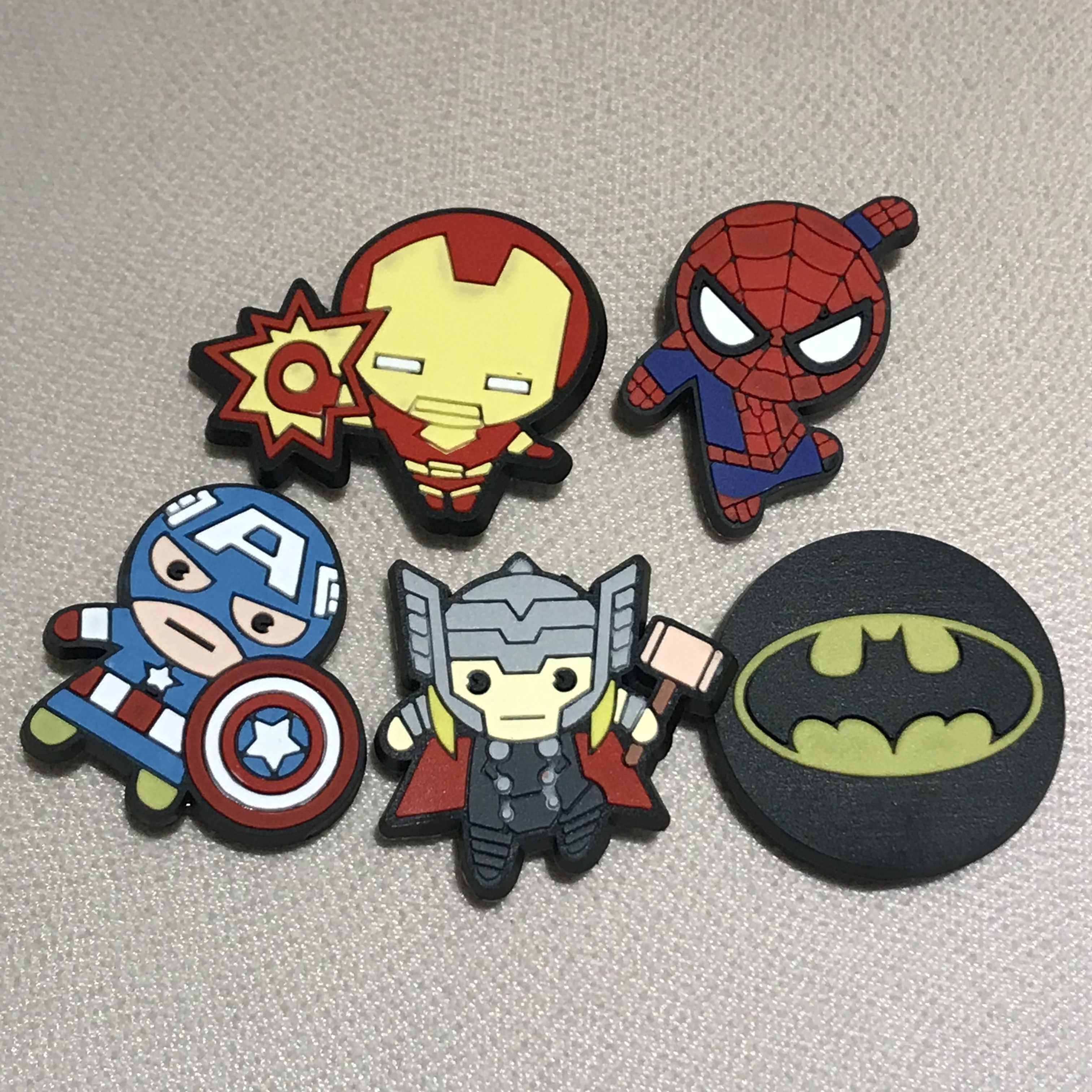 5 Cái/bộ Marvel Avengers Người Nhện Nhựa PVC Giày Quyến Rũ Người Sắt Phụ Kiện Giày Giày Trang Trí Cho Trẻ Em Croc Quyến Rũ Jibz quà Tặng