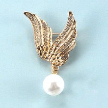 Broches Brooches Angels Generous Elegant Noble And Beautiful Nightclub Brooch Simple Wing Pearl Factory Sells Directly Broche