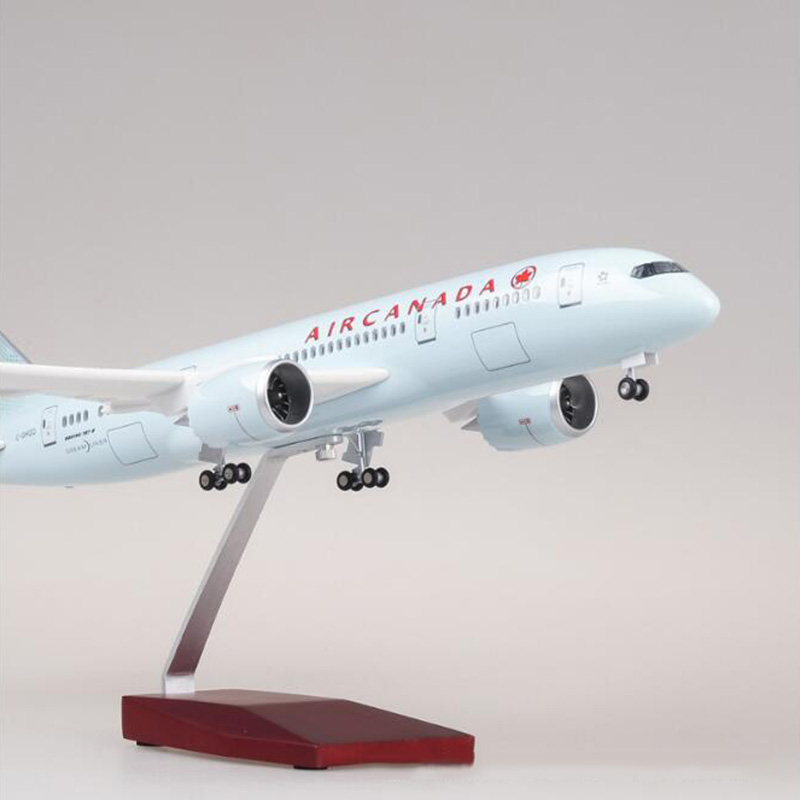47CM 1/130 Scale Airplane Boeing B787 Dreamliner Aircraft Canada Airlines Model with Light and Wheels Diecast Plastic Plane