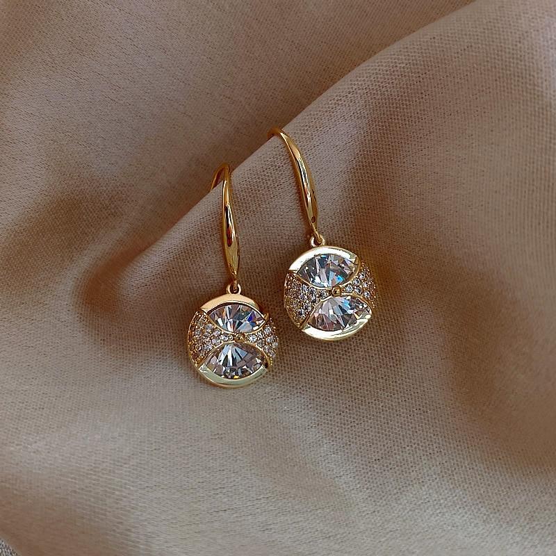 2020 nova chegada na moda redonda simples cristal balançar brincos para as mulheres moda doce gota de água pingente jóias