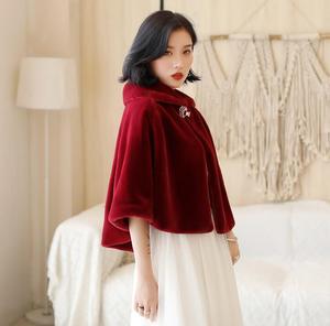 Image 4 - SHAMAI bordowy Faux futro zima etola ślubna ciepłe futro bolerka Bridal Cape wieczór płaszcz kurtka ślubna Party Dress z broszką