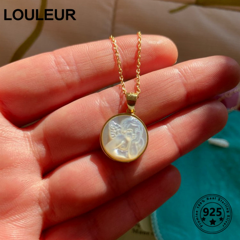 Louleur Pendant Necklace Angel Shell Gifts Women Jewelry Western-Style Round Gold Baby