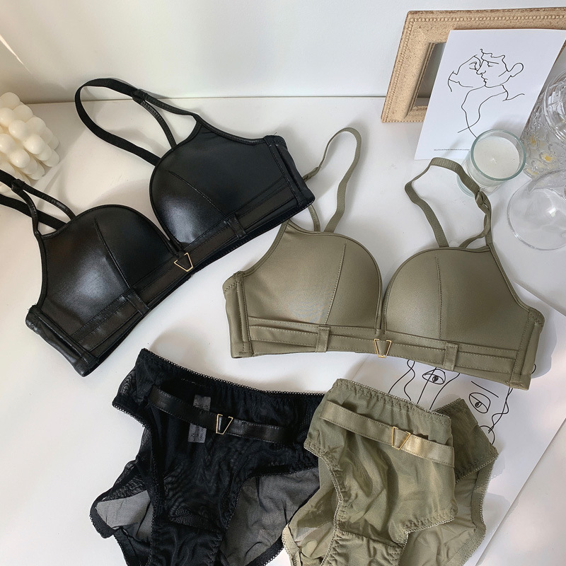 Wriufred Faux Leather Fabric Comfort Bra Set Cool Handsome Fashion Lingerie Underpants Suit Thick Cup Sexy Underwear Set Winter