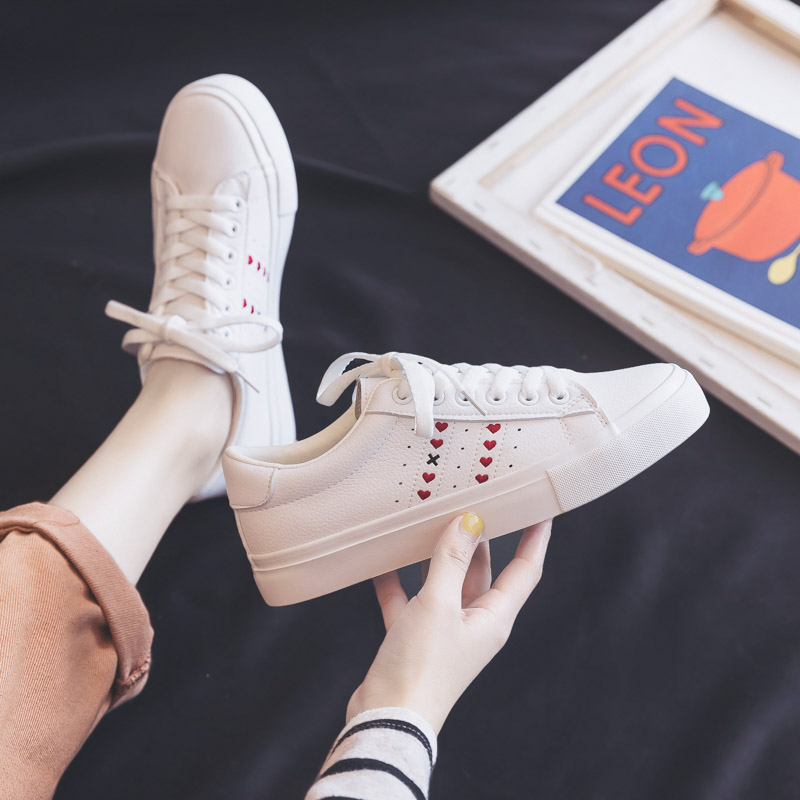 Woman Shoes 2020 Spring New Fashion High Casual Leather Shoes Comfortable Cute Heart Flats Sneakers Women's Vulcanized Shoes