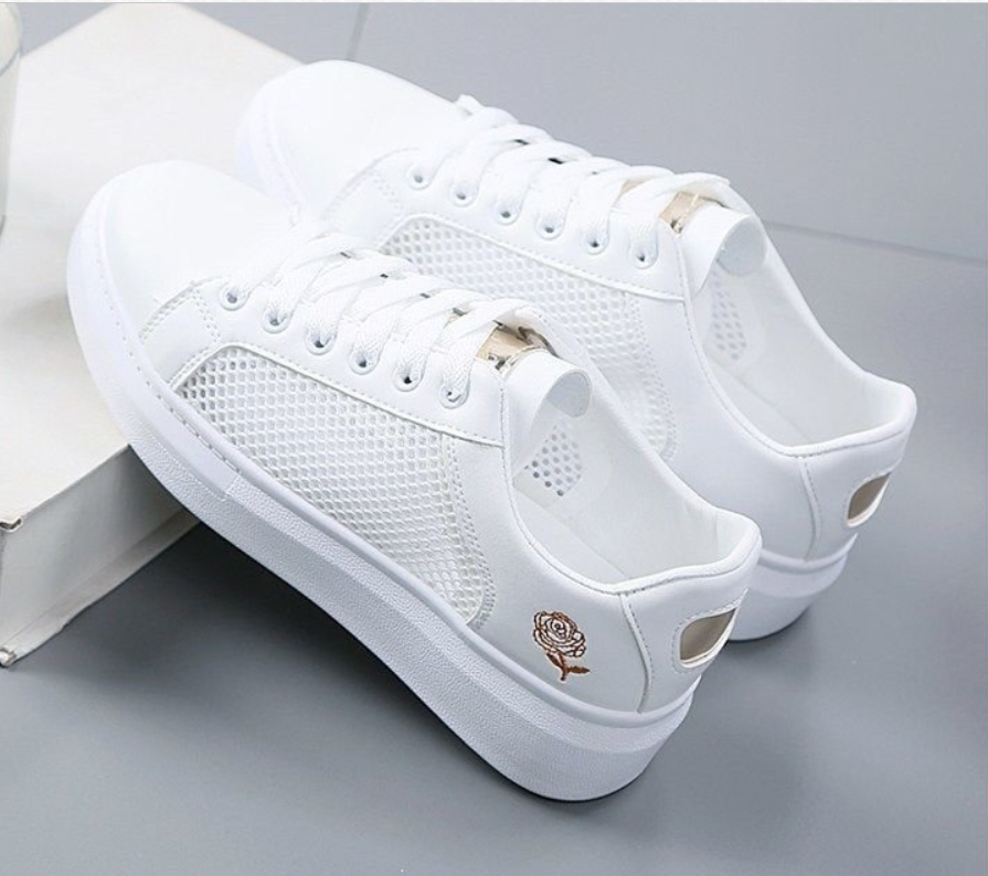 High Quality White Shoes Woman New Flat Summer Shoes Ladies Casual Shoes Fashion Breathable Mesh Lace Up Sneakers