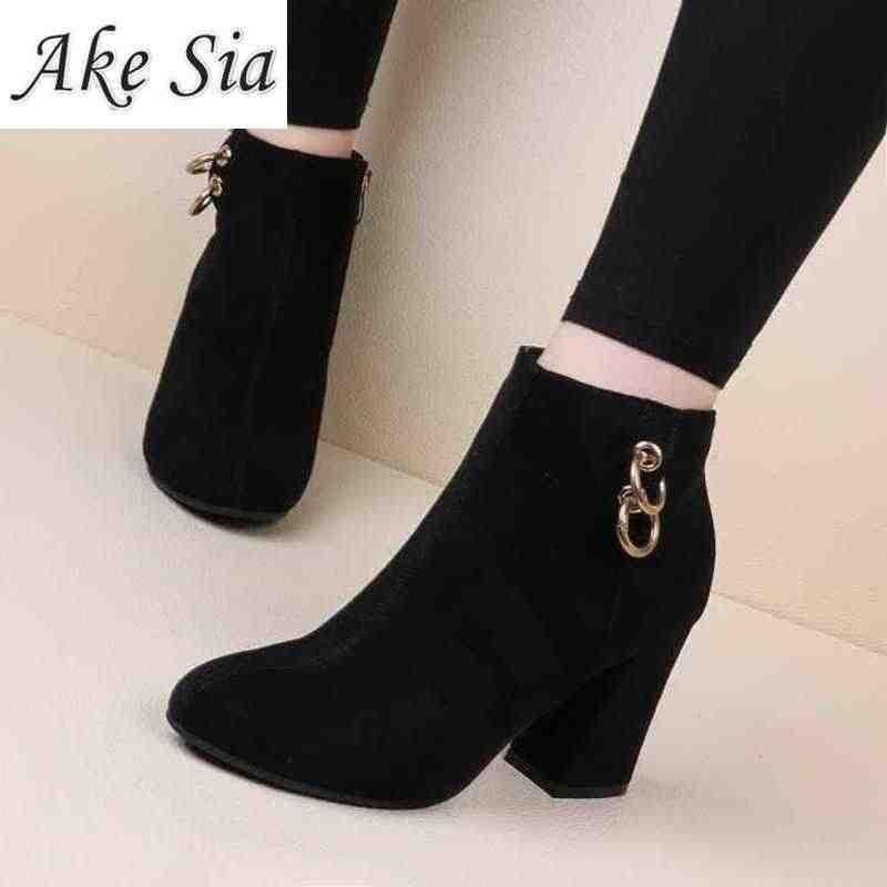 Retro kadın sıcak ve kadife kadın çizmeler Vintage blok topuk yarım çizmeler yan fermuar yüksek topuklu kadın ayakkabı büyük boy 35-43