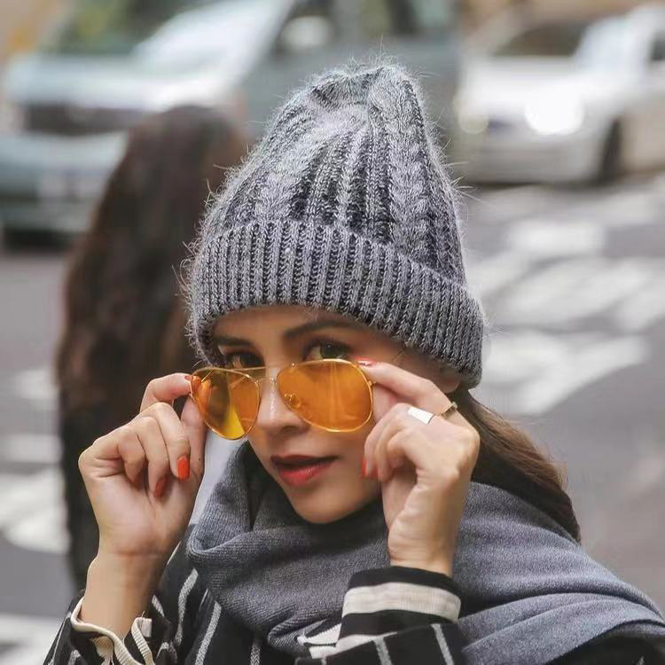 Hot Sale Warm Snow New Women Knitted Knit Hat Beanies High Quality Wool Crochet Beanie Girl Winter Striped Crochet Hats