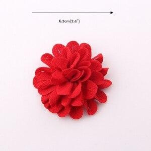 "Image 3 - 50pcs 6.2 cm 2.4 ""헤어 액세서리에 대 한 빈티지 단색 머리 꽃 폴 리 에스테 르 귀여운 인공 로즈 패브릭 꽃 머리 착용에 대 한"