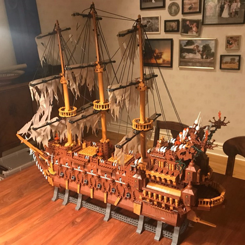 16016 Pirates of the Caribbean Movies Series MOC The Flying Netherlands Building Blocks Bricks Kids Toys Christmas gift 83015 1