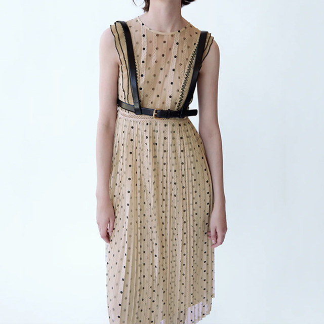 2021Beige color polka dot printed chic style see through women summer sleeveless lace pleated dress Round neck slim fit 3