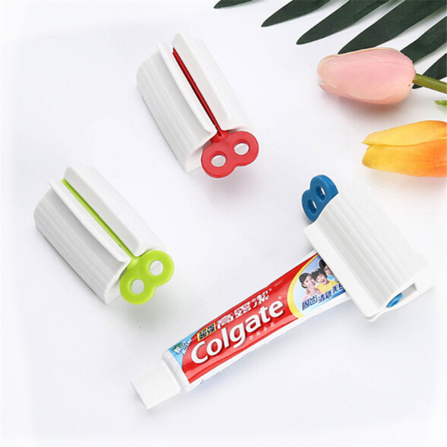 Plastic Toothpaste Dispenser Multifunctional Toothpaste Tube Press Squeezer Tooth Paste Holder home Bathroom Accessories 3 Color