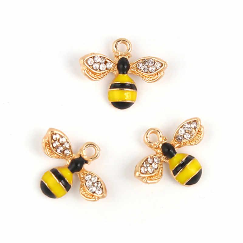 DoreenBeads แฟชั่นโลหะผสมสังกะสี Charms Bee ปลาสัตว์สีเหลืองทอง Rhinestone Enamel เครื่องประดับ DIY Charms, 2 PCs