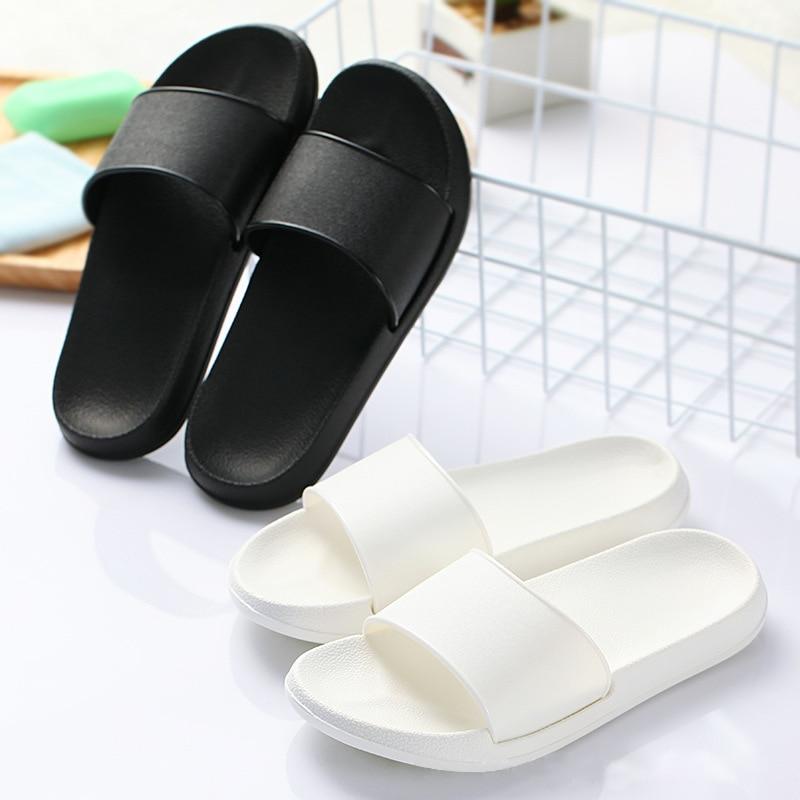 Badslippers Summer Men's Slippers Casual Black And White Shoes Non-slip Slippers Bathroom Sandals Soft Bottom Men's Slippers