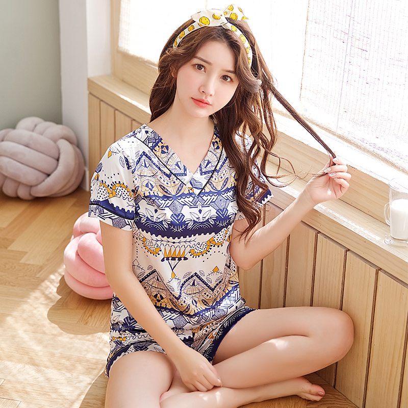 Women Sleepwear 2020 Summer Pajamas V-neck Silk Print Sweet Women Sleepwear Set Girl Nightgown Short Pant Cute Silk Pajamas Sets