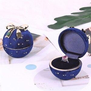 Esfera azul real con joyas con diseño de lazo caja de regalo de Navidad caja de regalo con incrustaciones de anillo de boda de phem Penh caja o caja colgante