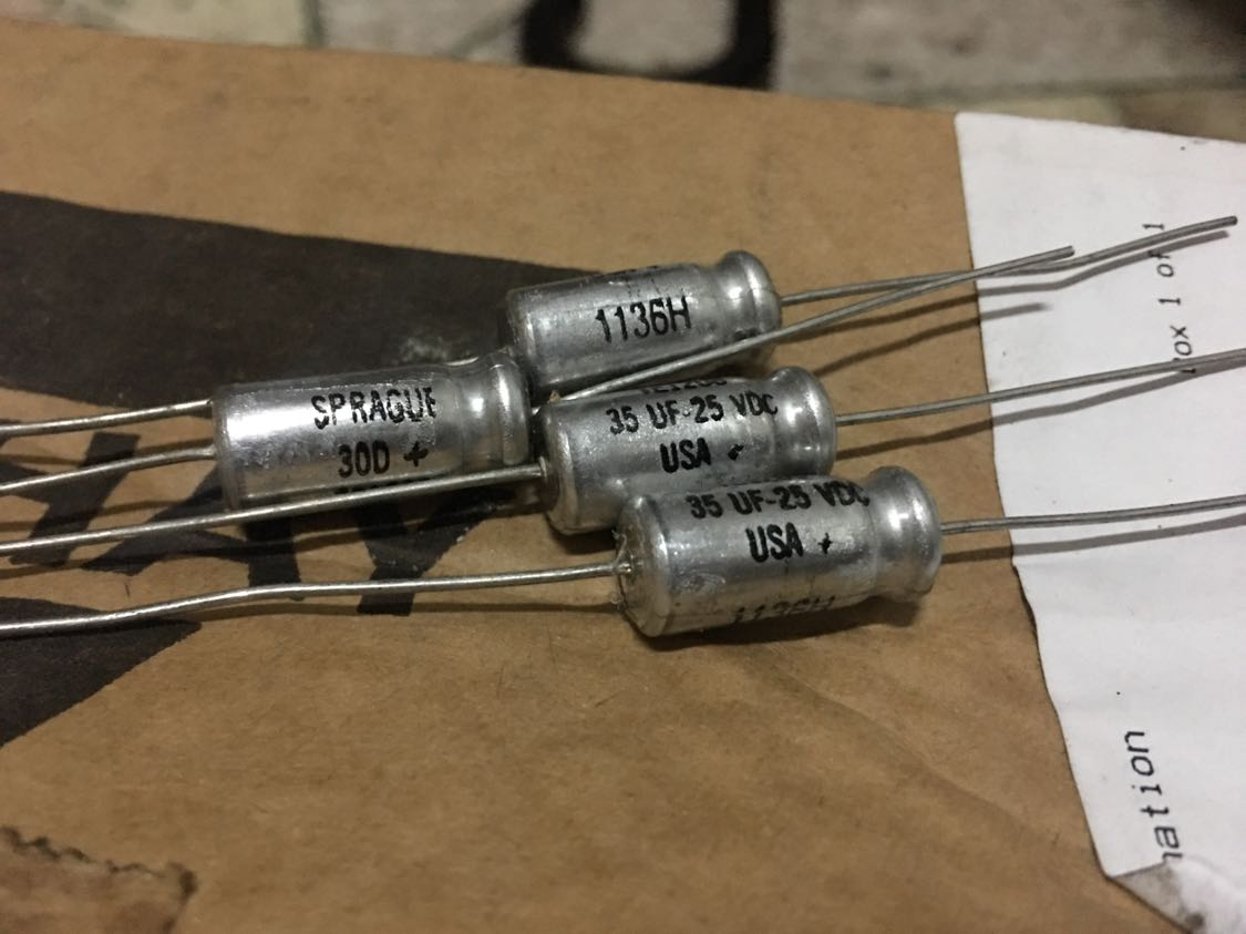 10pcs/30pcs 25V33UF 33UF/25V American SPRAGUE 30D Axial Cathode Electrolytic Capacitor Free Shipping