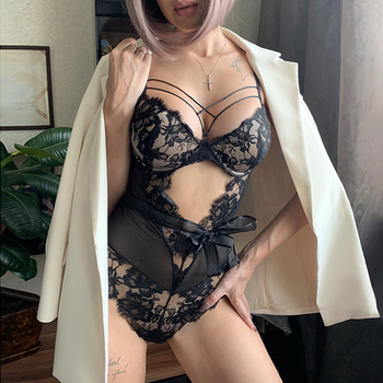 Nuevo Mono de mujer a la moda de encaje Floral ahuecado blanco bordado Body negro Sexy V profundo mono a tiras de malla transparente