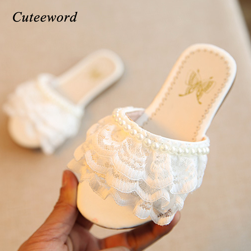 Kids Slippers Girls Shoes 2020 Summer New Comfortable Soft Child Slippers Fashion Pearl Lace Leather Girls Princess Shoes Flats