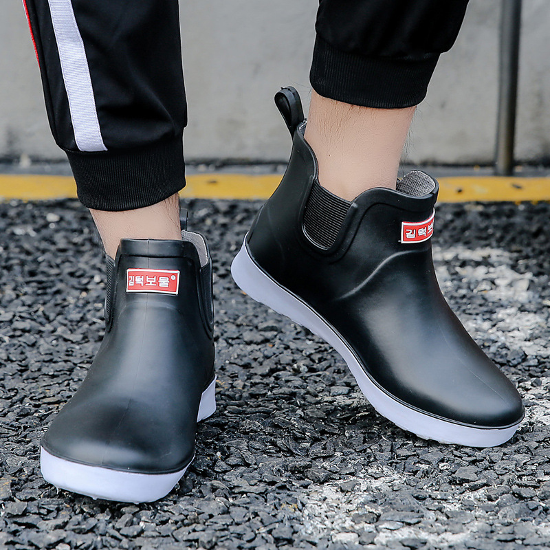 New Leisure Rain Boots Men Low-Heeled Round Toe Shoes Waterproof Middle Tube Rain Boots Chaussures Femmes 201